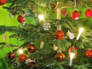 """Geld verdienen in der Weihnachtszeit Ratgeber Bild mittig piqs.de, Kutschera, Sina, """"Unser Weihnachtsbaum"""" (CC BY 2.0 DE)"""