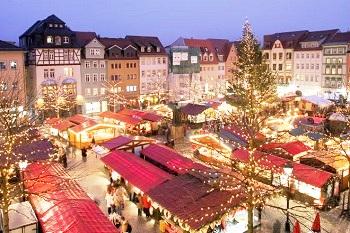 """Geld verdienen in der Weihnachtszeit Erfahrung Bild unten piqs.de, Rene Schwietzke, """"Weihnachtsmarkt Jena, 2007"""" (CC BY 2.0 DE)"""