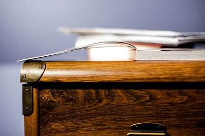 Tricks für einen aufgeräumten Schreibtisch Ratgeber Bild mittig