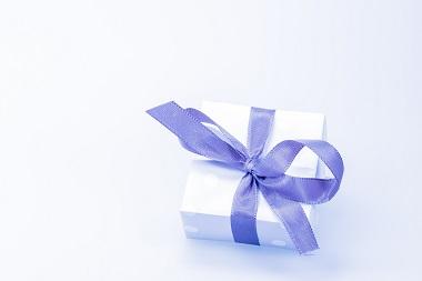 Mit Geschenkideen die Kundenbeziehung verbessern Bild oben