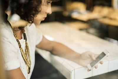 Tipps für ein glückliches Leben mit Handy & Co. Ratgeber Bild mittig
