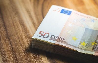 Der Weg zu einem günstigen Darlehen über das Internet Bild oben