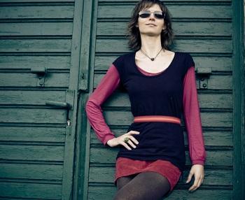 "Lifestyle und Mode Bild oben piqs.de, Kristiaan, ""Julia"" (CC BY 2.0 DE)"