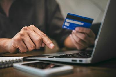 Konsum und Internet: Augen auf bei Onlinezahlungen Bild oben Adobe Stock © Ngampol