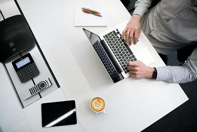 Welche Vorbereitungen sind zu treffen, um einen Onlineshop zu eröffnen? Bild oben unsplash.com, Tyler Franta