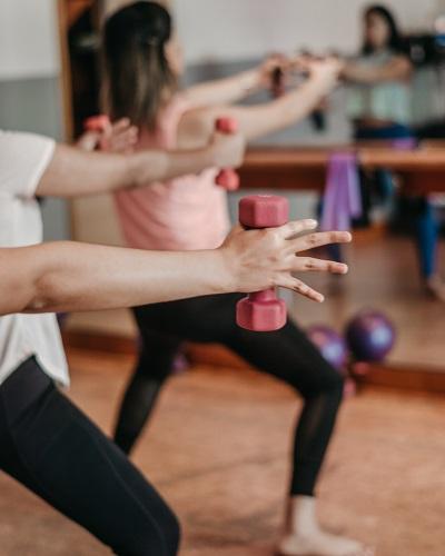 Fit ohne Fitnessstudio: 3 Tipps für sportliche Fortschritte Ratgeber Bild mittig unsplash.com, Yulissa Tagle