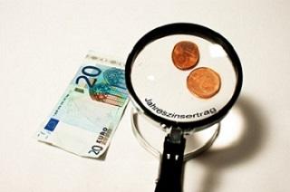 Wie junge Leute auf ihr Geld achten Ratgeber Bild mittig 632973_web_R_B_by_Bernd Kasper_pixelio.de.jpg