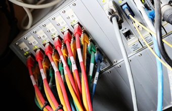 Datentarife: Mobile Bandbreiten schießen in die Höhe Bild oben 675391_web_R_B_by_Tim Reckmann_pixelio.de.jpg