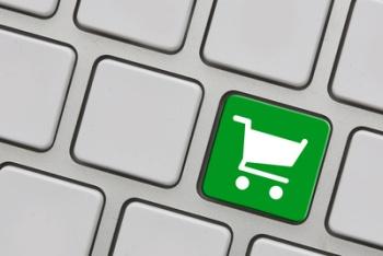 Online Einkauf oder doch normales Shopping? Bild oben Tim Reckmann / pixelio.de